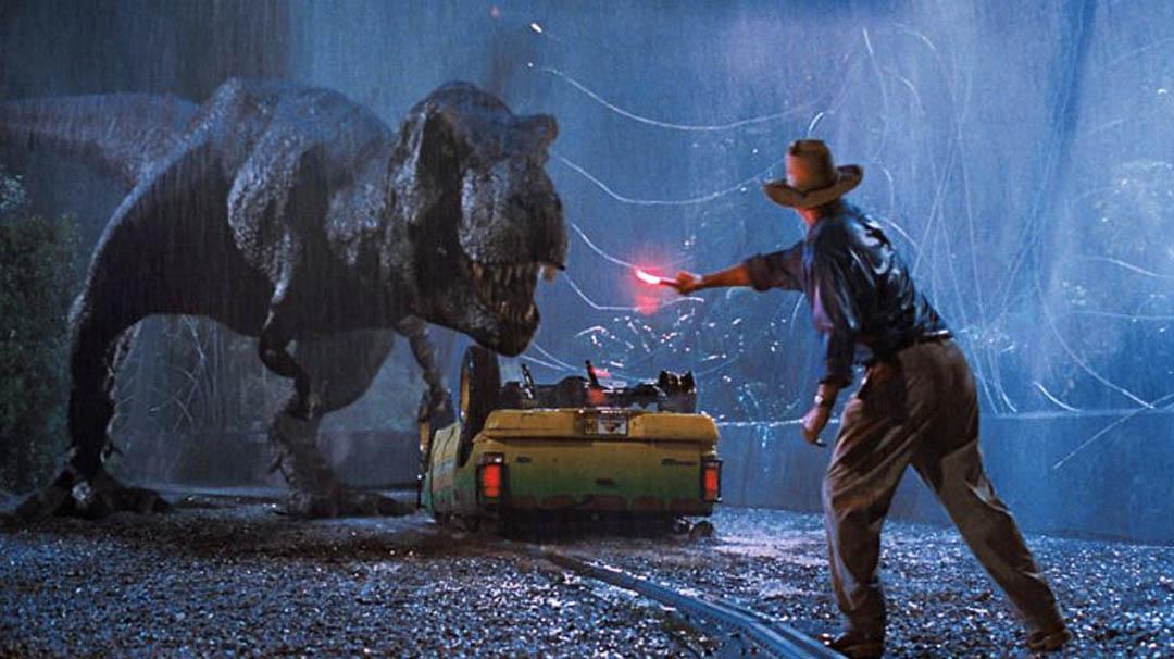 Image for #3. ¿Qué dan de comer al T-Rex en la mítica escena del circuito por el parque?