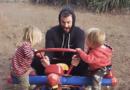 15 Veces que Chris Hemsworth demostró ser el mejor padre del mundo
