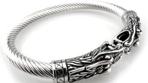 Consigue el brazalete de los Vikings