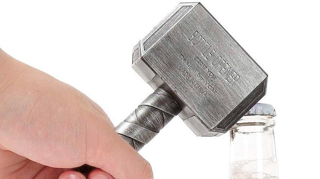 Necesitas este abrebotellas de Thor