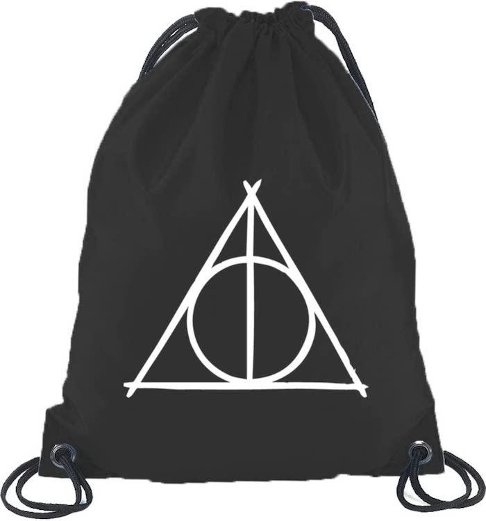Puedes tener una mochila de las Reliquias de la Muerte
