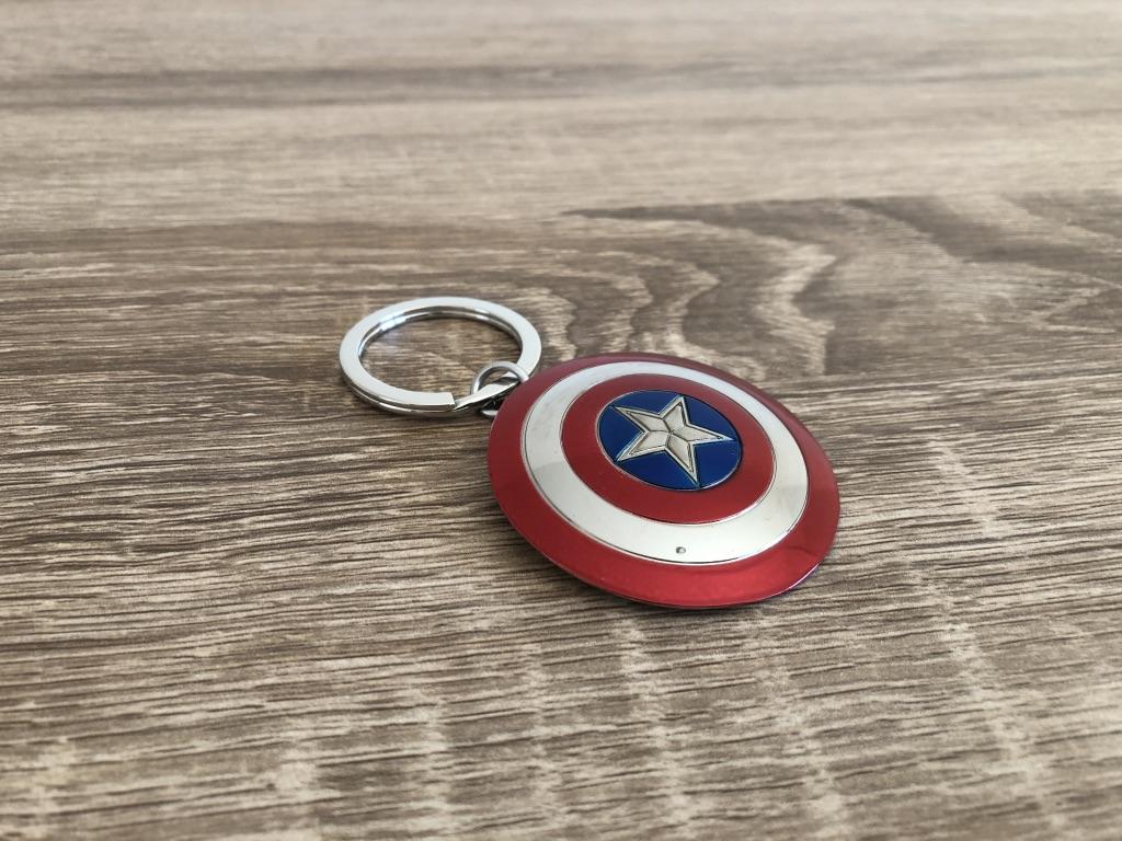 Universo Friki · Llavero Escudo Capitán América